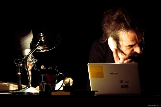 Jackl el diseñador2012-D. Higienico-Pienso luego insisto-6904